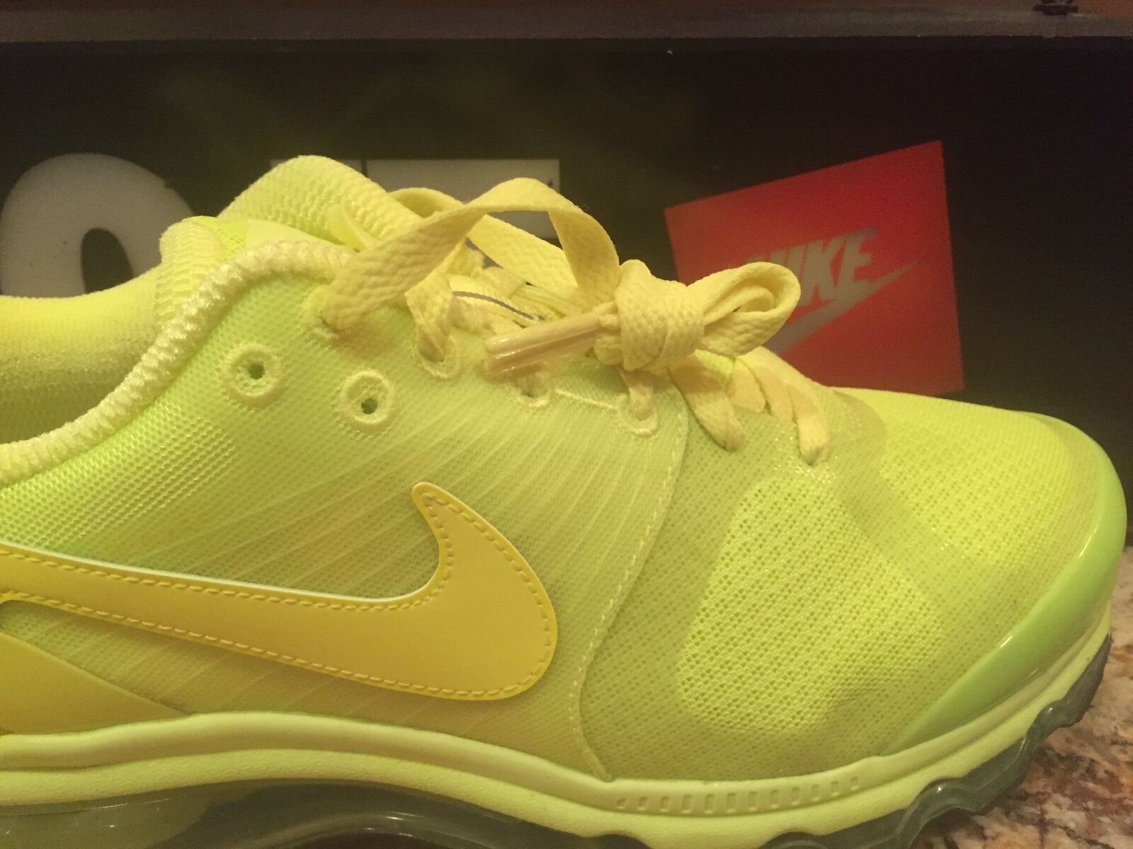 Nike Air Max 2010 All Volt Everything Air Attack 386368700 Sz 9 I8