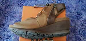 9-5-Miz-Mooz-Satine-SAND-Leather-EU41-Open-Toe-Sandal-laces-wedge-1-5-034