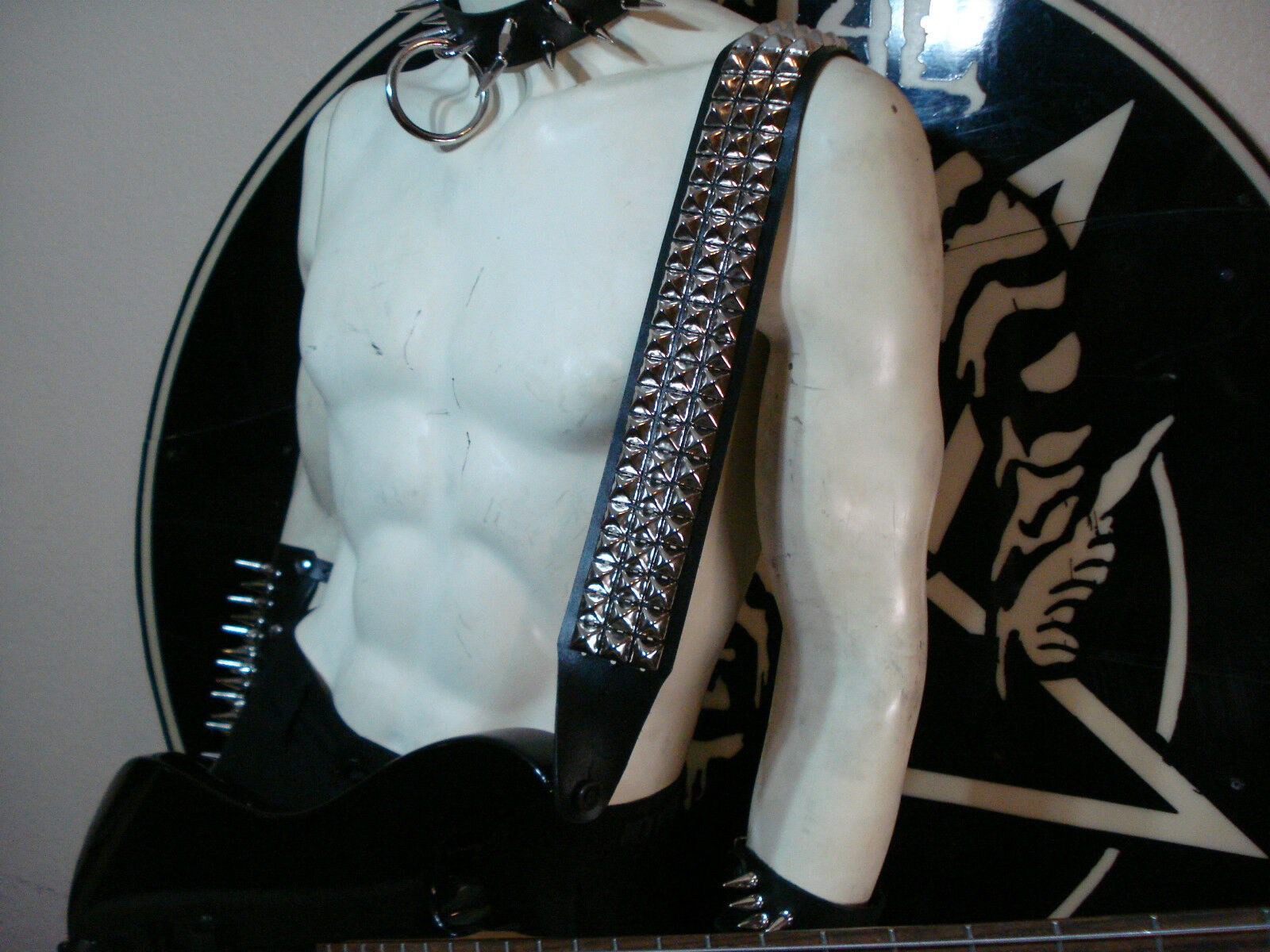 LEATHER STUDDED GUITAR STRAP. BUCKLE UP ...(MDLS0292)... SAMOTH