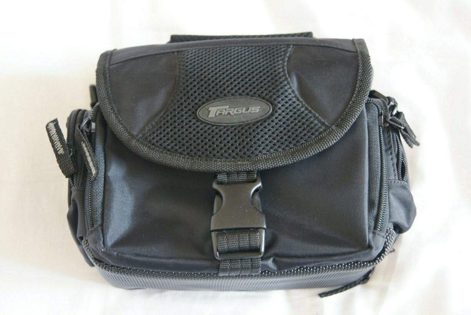 Targus Camera Bag in Black Very Good Condition