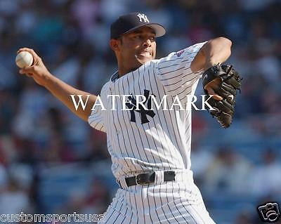 ~ MARIANO RIVERA New York Yankees Glossy 8 x 10 Photo Poster