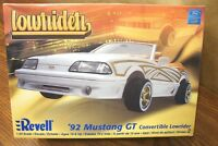 Revell '92 Mustang Gt Convertible Lowrider 1/24 Scale Model Kit