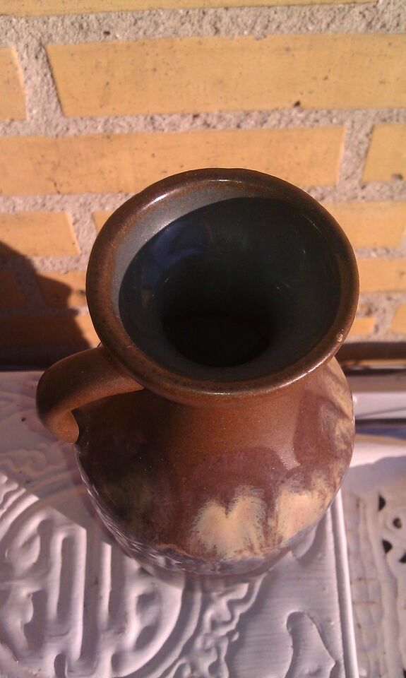 Keramik, Vaser med hank, Strehla