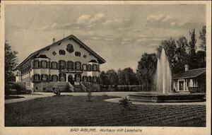 Bad-Aibling-Bayern-alte-AK-1920-30-Partie-am-Kurhaus-mit-Lesehalle-Springbrunnen