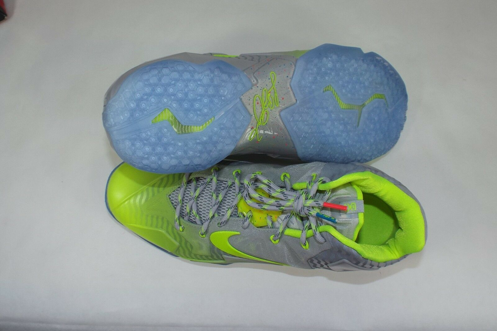Mens SZ 11.5 NIKE Lebron XI Collection Luster Luster Luster Volt Ice schuhe  220 683252-074 92e194