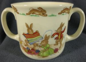 Royal-Doulton-Bunnykins-Hug-A-Mug-KNITTING-2-Handled-Bone-China-England-Vtg-1936