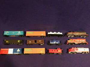 HO-Train-Lot-4-Engines-9-Cars-Flex-Track-Curves-Straight-Power-RR-More