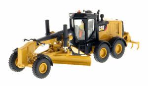 1-87-DIECAST-MASTERS-CATERPILLAR-CAT-12M2-Motor-Road-Grader-85520-NIB