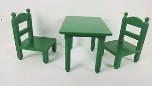 Vintage-Epoch-Sylvanian-Families-Calico-Critters-1985-2-034-Green-Table-amp-2-Chairs