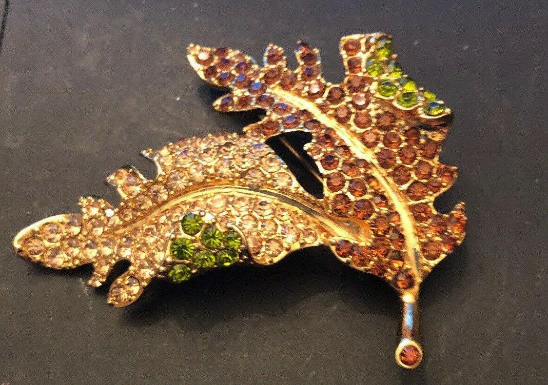 Beautiful Vintage KJL Kenneth J Lane Rhinestone Encrusted Leaf Brooch Grn Amber