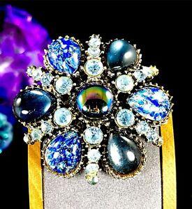 LOVELY-VINTAGE-SILVER-TONE-FINISH-BLUE-FOIL-GLASS-CABOCHON-RHINESTONE-BROOCH