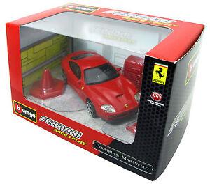 Ferrari-550-Maranello-1996-Bburago-Race-and-Play-Diorama-1-43-Neu-OVP