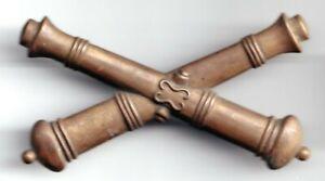 U.S. Civil War Era Union Artillery Crossed Cannons EM Kepi Cap Badge