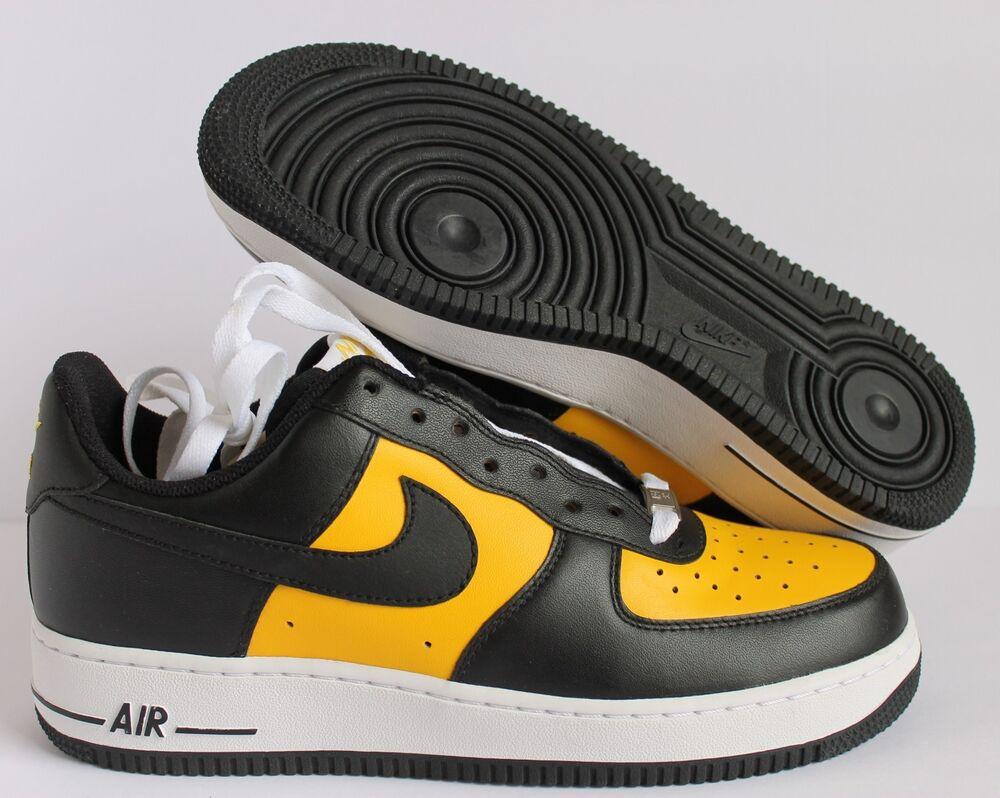 NIKE MEN AIR FORCE 1 07 VARSITY MAIZE-Noir-Blanc RARE Homme  Chaussures de sport pour hommes et femmes