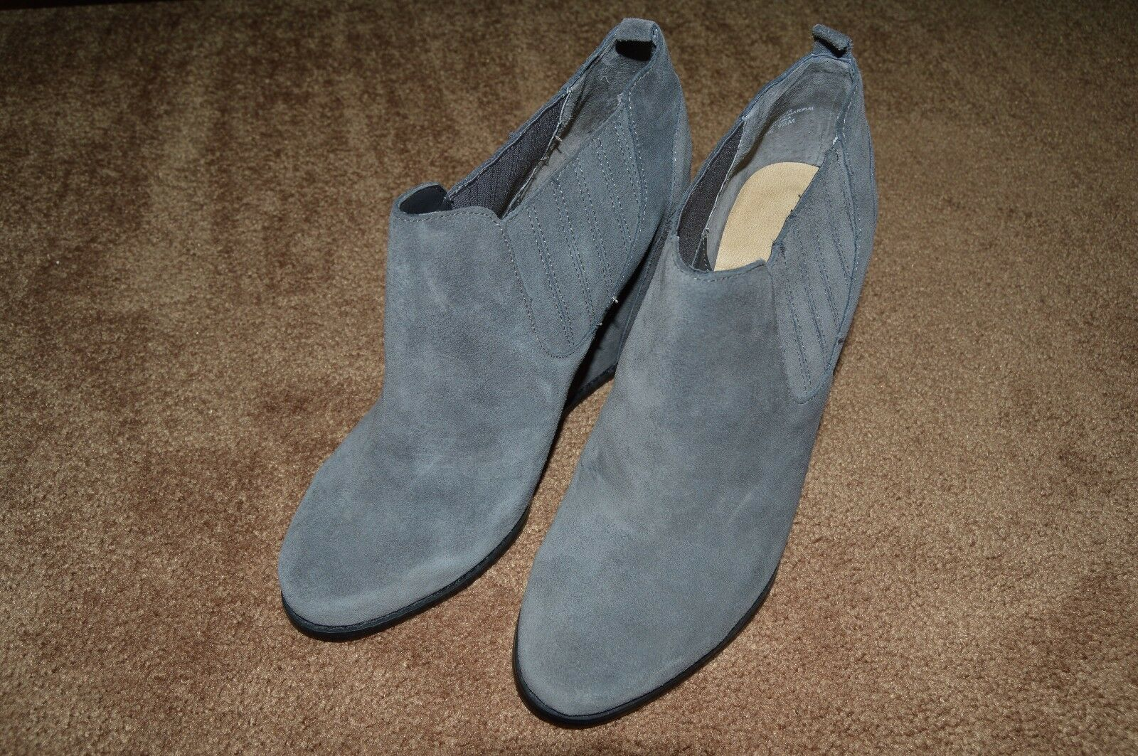 Audrey Brooke Winnie Ankle Booties Dark Gray Suede Wedge Shoes Boots Sz 9.5 M