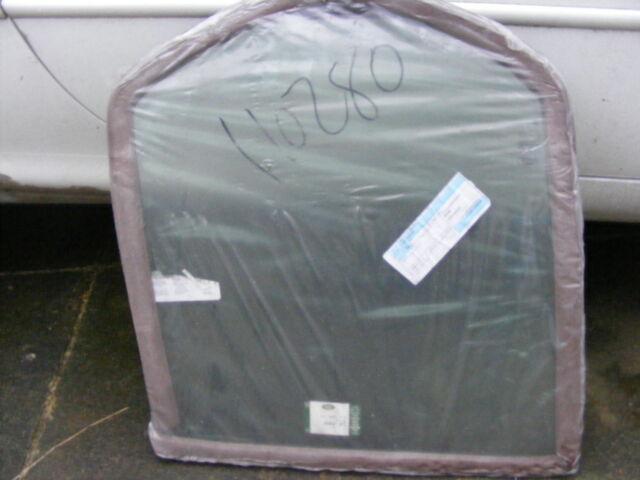 NEW LANDROVER FREELANDER 1 RH REAR DOOR GLASS, PART CVB103020 GREEN TINTED