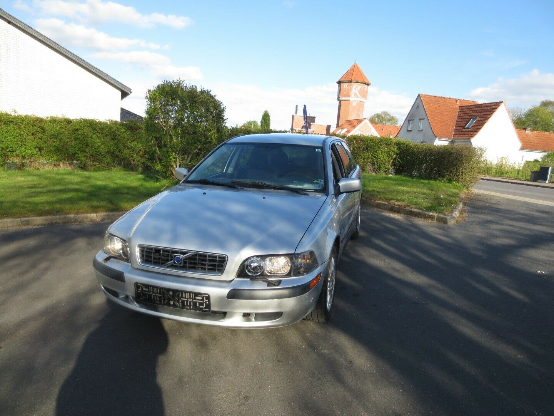 Volvo V40 1,8 Jubilæum 5d - 9.900 kr.