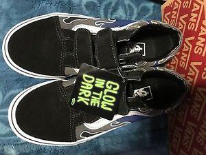 Détails sur Vans flammes old skool Glow in the Dark True Blue & étain shoes kids 2.5 afficher le titre d'origine