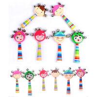 Cartoon lächelndes Gesicht aus Holz Rasseln Säuglingshandglocke Lernspielzeug