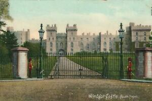 EARLY-1900-039-s-VINTAGE-WINDSOR-CASTLE-SOUTH-FRONT-POSTCARD-UNUSED-Frith-039-s