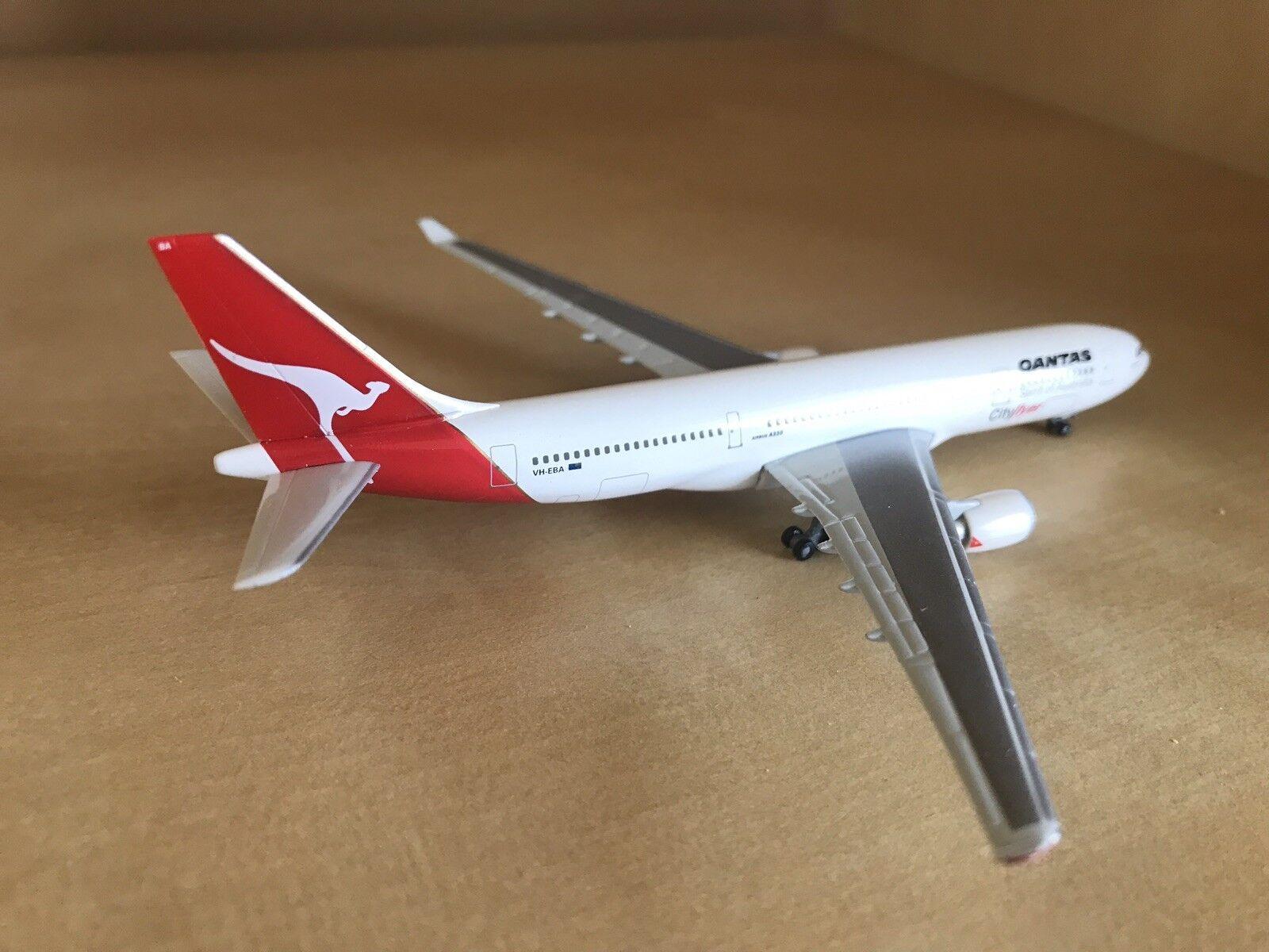 """Qantas """"Cityflyer"""" """"Cityflyer"""" """"Cityflyer"""" Airbus 330-200 1 500 Scale Model By Herpa bfad37"""