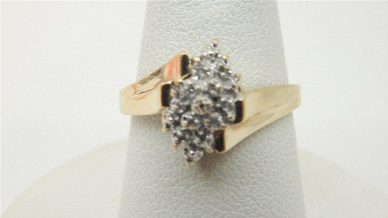 18k Yellow Gold Diamond Solitaire Accented Ring 1.38 Ct Vvs1 Channel Set Lady Diamond