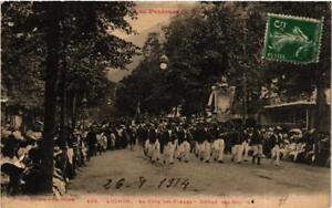 CPA-Luchon-La-Fete-des-Fleurs-Defile-des-Guides-612034
