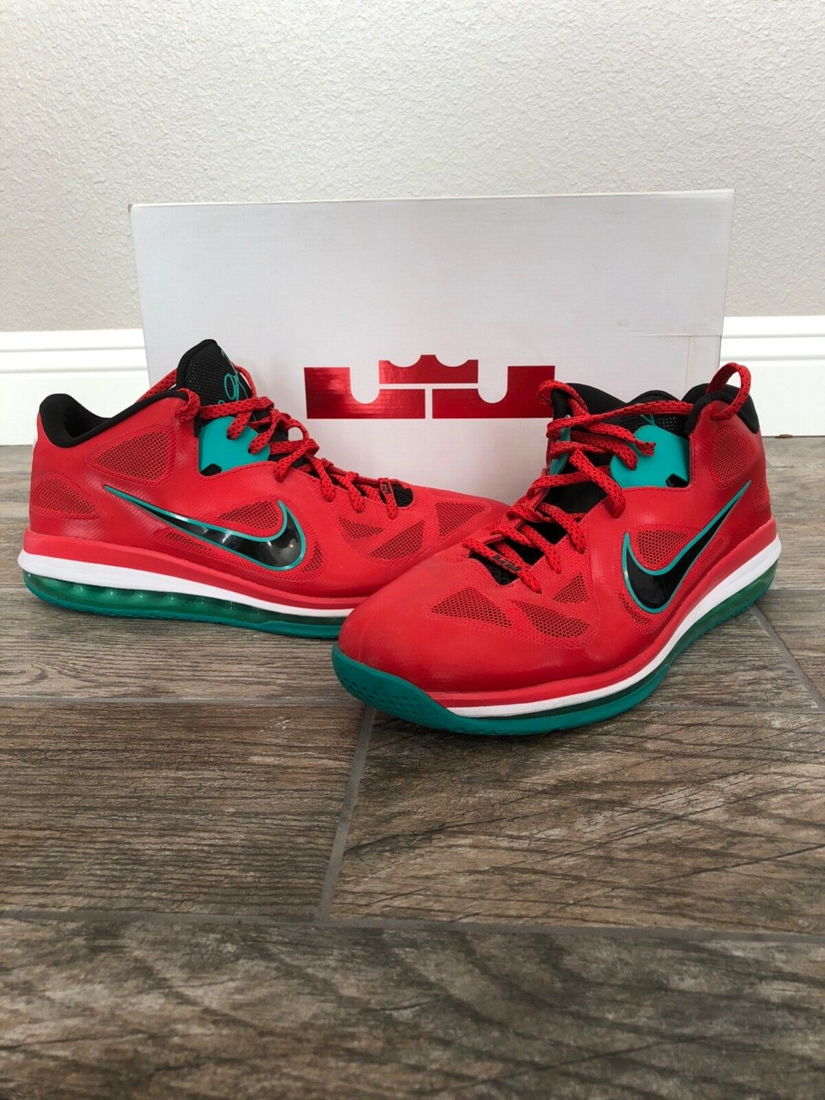 Nike Lebron 9 Low Liverpool Size 15