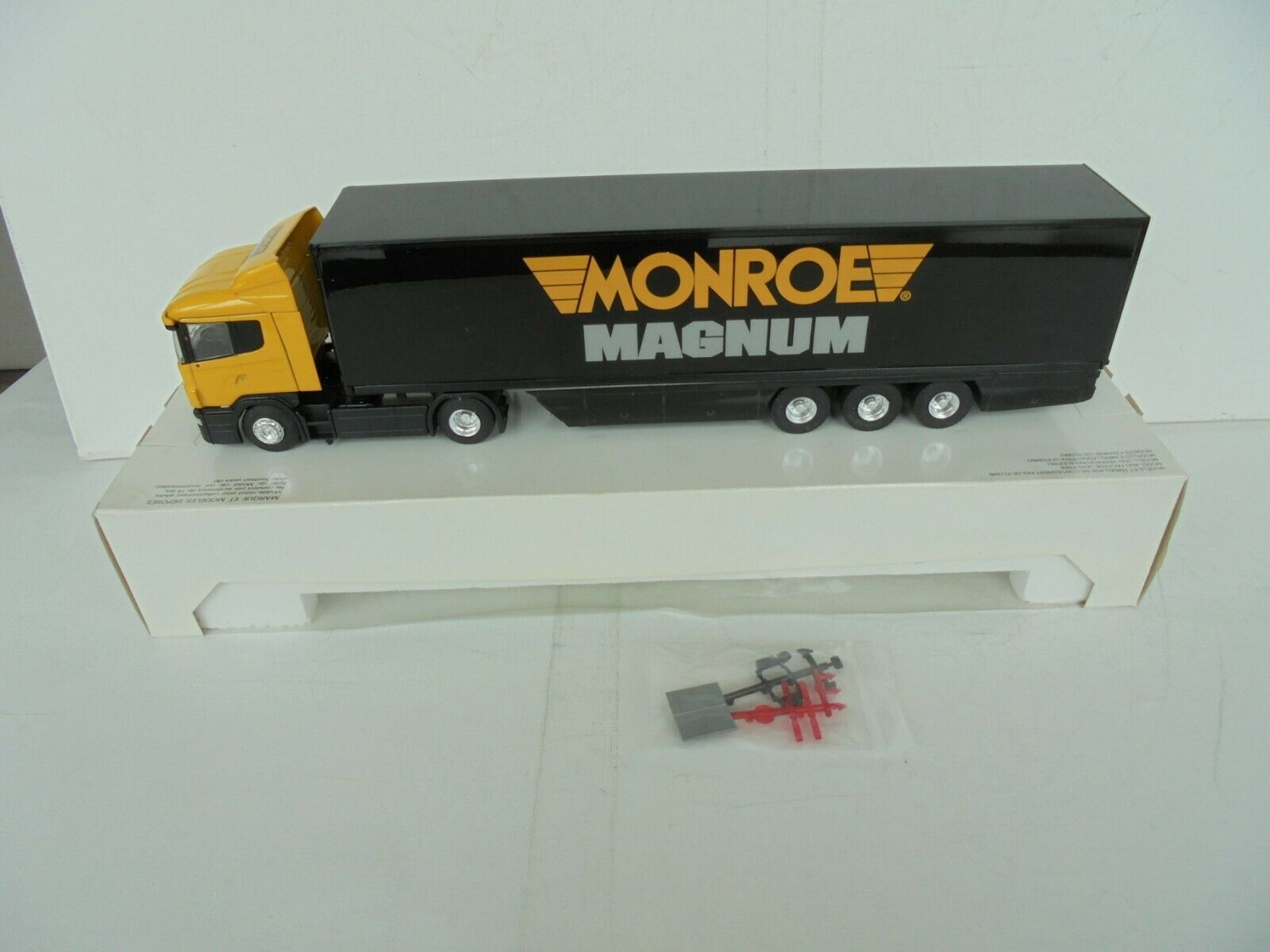 LBS ELIGOR 1 43 SEMI SCANIA 144L 530 MONROE MAGNUM Gelb schwarz 11244 NEW IN BOX