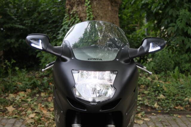 Schwarze LED Blinker Frontblinker mit Standlicht Honda CBR 1100 XX Blackbird