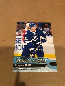 2016-17-UD-BRAYDEN-POINT-YOUNG-GUNS-ROOKIE-CARD