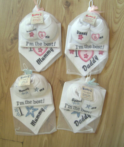 I LOVE MUM//DAD BOY GIRL BANDANNA BIB HAT BOOTIES SHOWER GIFT SET PINK//BLUE BABY