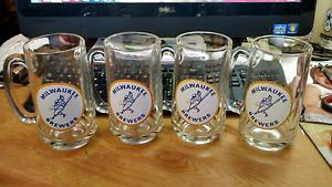 VERY-RARE-1970-039-S-VINTAGE-MLB-MILWAUKEE-BREWERS-4-BARRELMAN-GLASSES
