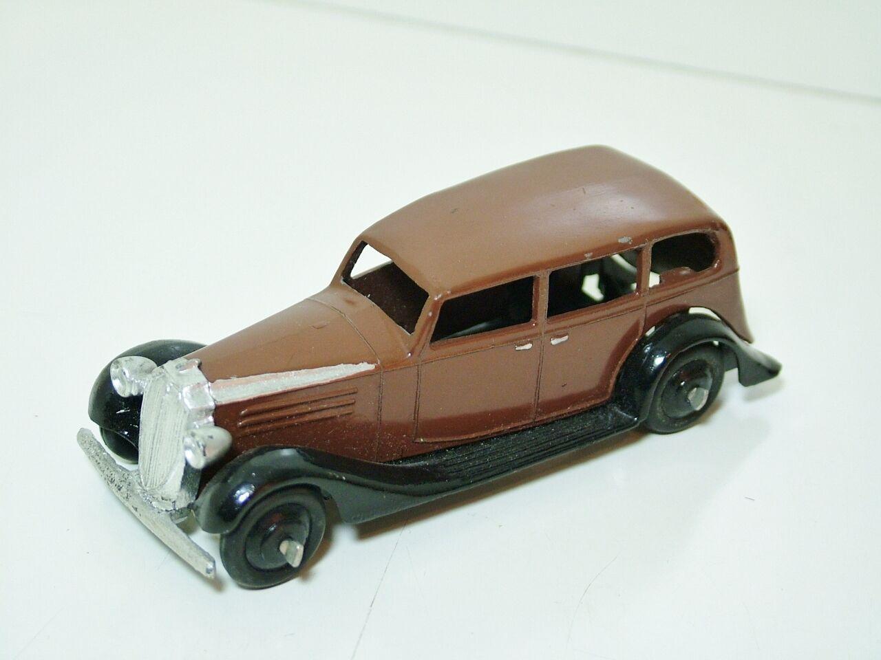 Dinky 30d Vauxhall Saloon - Brown