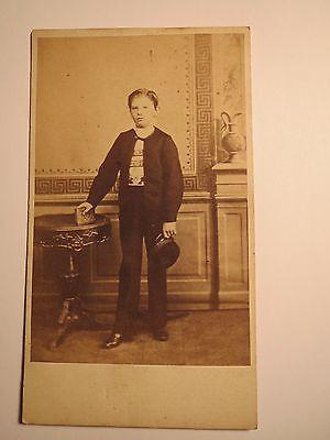 Herzhaft Guben - Eugen Lohliez ? Als Schüler Im Alter Von 9 Jahren 1860 Cdv / Studentika