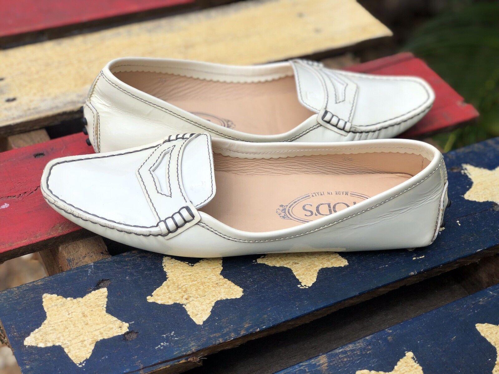 Tod 's Woman 36 yardas Código 5   5.5 Drive zapatos de marfil Color de piel de Penny left