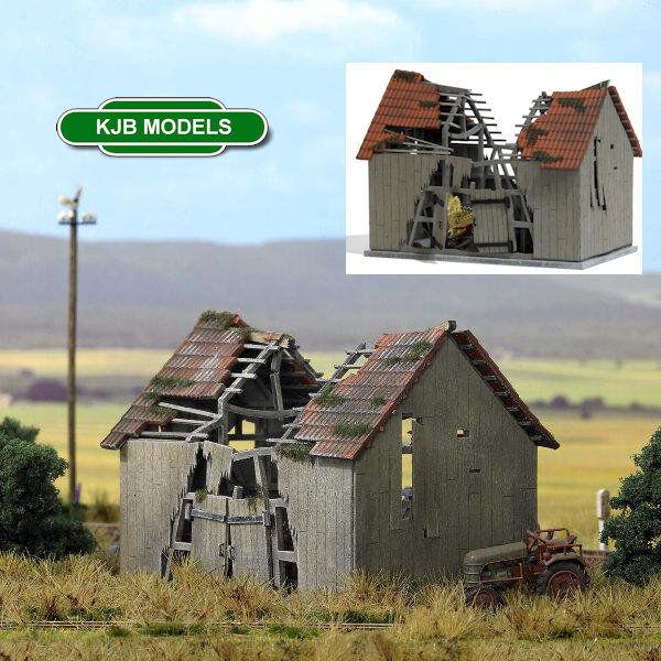 BNIB OO / HO BUSCH 1405 DILAPIDATED BARN KIT - DERELICT FARM BUILDING