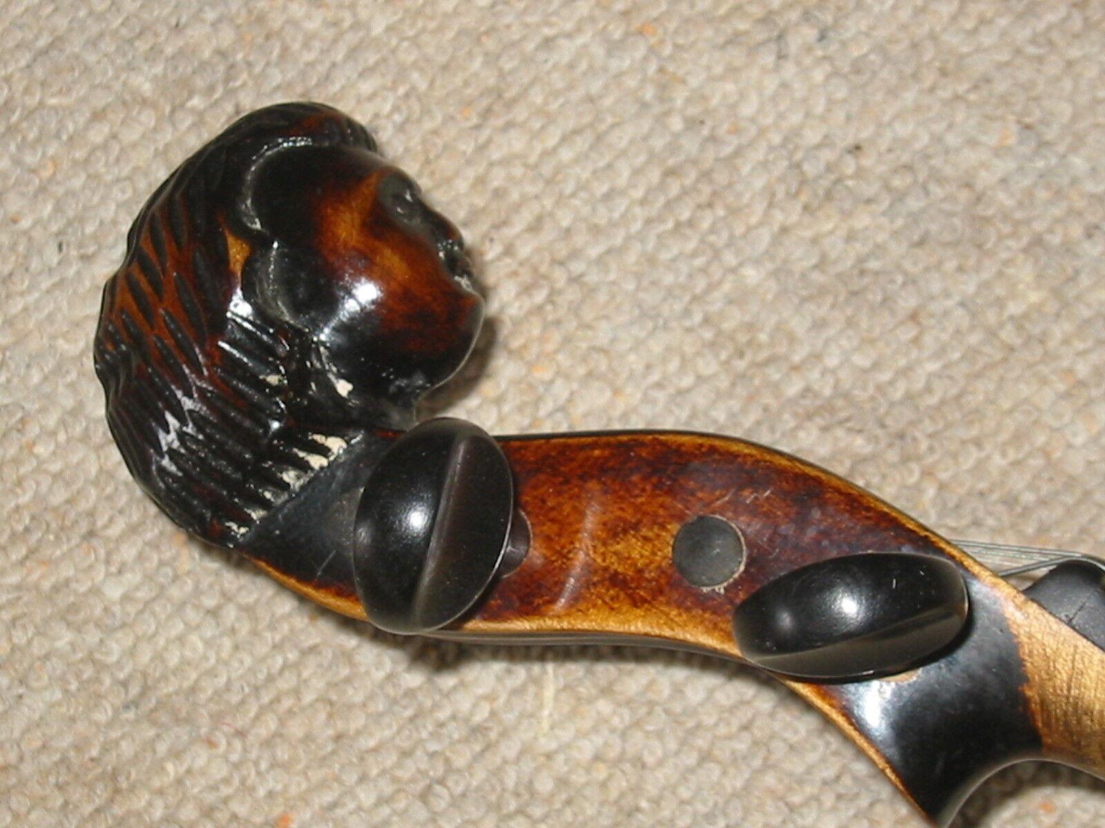 Schöne alte hochgewölbte Geige (Klotz Style) mit geschnitztem Kopf  old violin