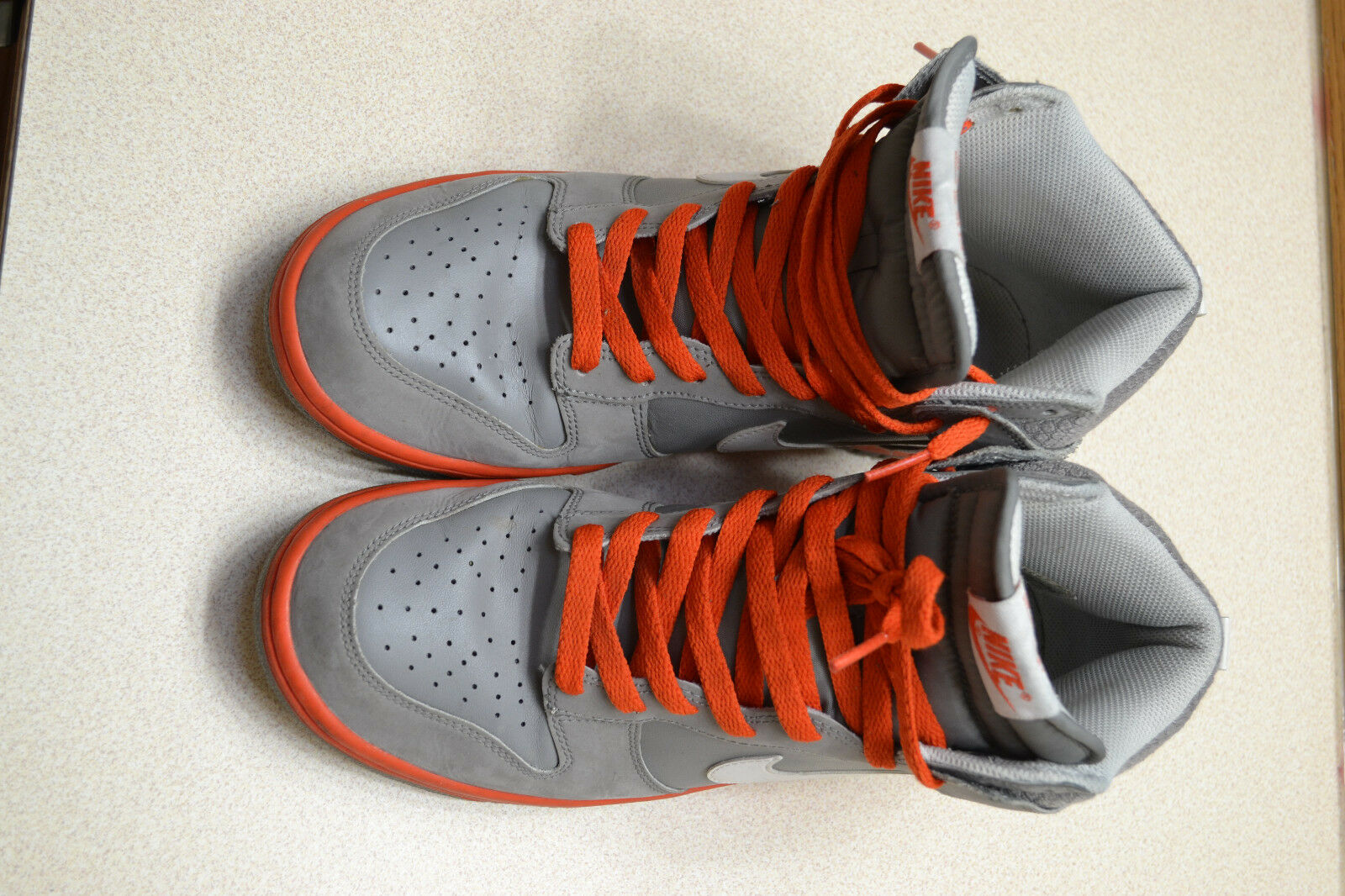 Nike Nike Nike grigio e arancione Uomo scorpe 9,5 59b548