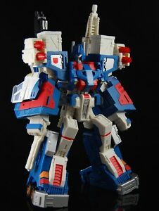 G1-Transformers-fansproject-City-Commander-Ultra-Magnus-vs-Skywarp-Prime-RID