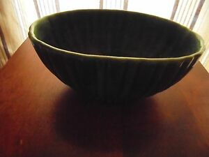 Vintage-HAEGER-USA-Forest-Green-Ceramic-Pottery-Oval-Ribbed-Planter-Flower-Pot