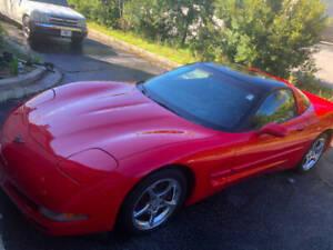 2004-Chevrolet-Corvette-Base-2dr-Coupe