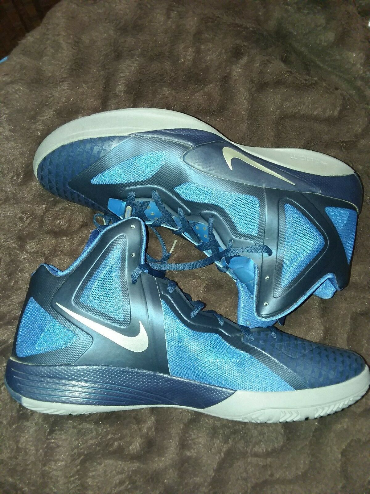 NIKE HYPERFUSE – WHITE / RED – SIZE 18 – BASKETBALL SHOES Wild casual shoes