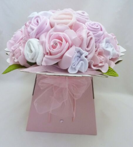 BEAUTIFUL NEW BABY GIRLS CLOTHES BOUQUET GIFT O-3mth 10 NAPPIES /& ANGEL CHARM