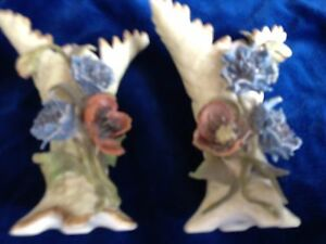 ANTIQUE PAIR OF BLUE CROSS SWORD VASES DORNED WITH DELICTATE FLOWERS VPretty - London, United Kingdom - ANTIQUE PAIR OF BLUE CROSS SWORD VASES DORNED WITH DELICTATE FLOWERS VPretty - London, United Kingdom