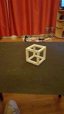 Escher Cubo Impossibile-stampata 3d-mostra Il Titolo Originale