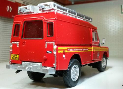 LAND Rover Serie 2 A 3 109 LWB Autopompa Oxford Cararama Modello in scala 1:43