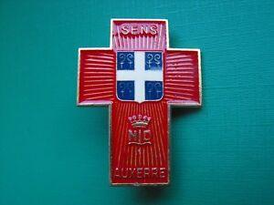 N-37-insigne-religieux-medaille-religieuse-diocese-Sens-Notre-Dame-de-Lourdes