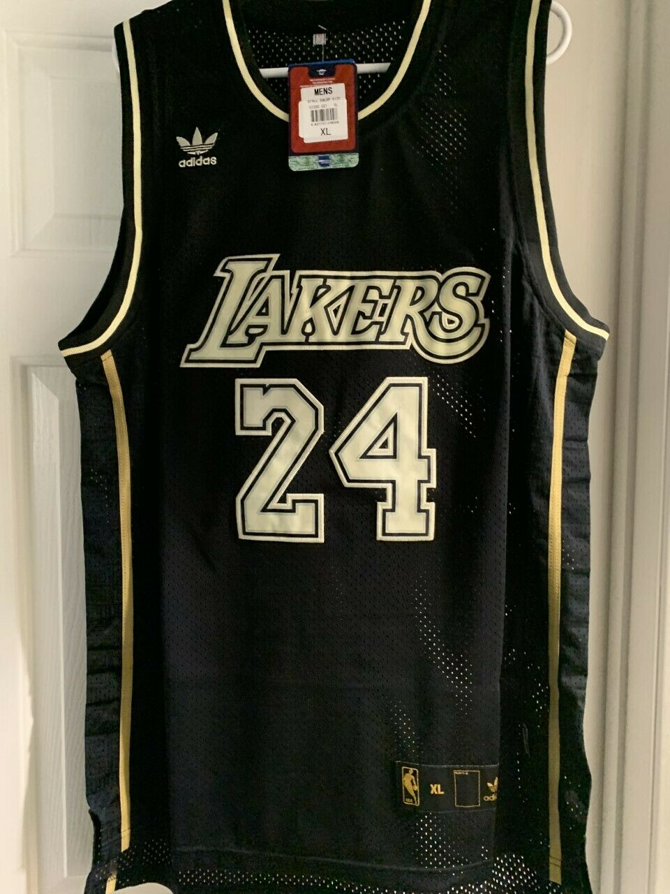 Kobe Bryant #24 Men's Los Angeles Lakers Jersey- Extra Large