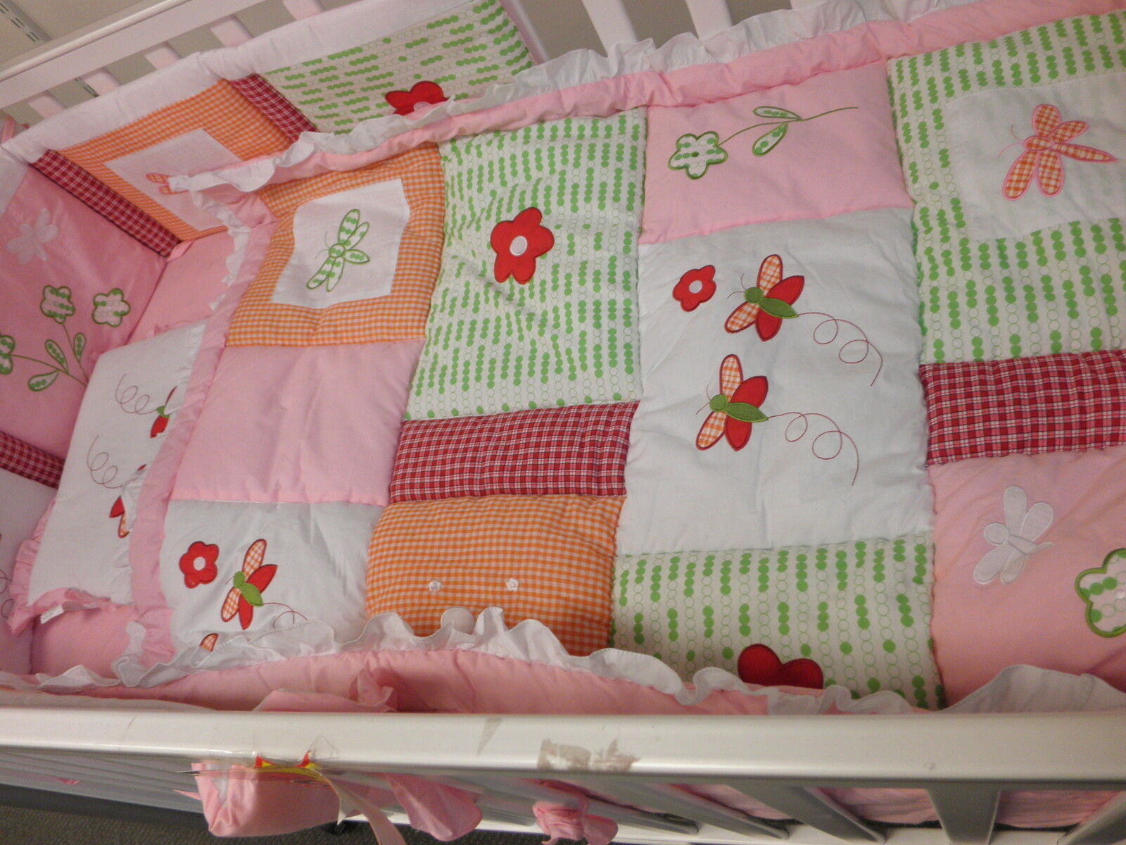 BRAND NEW 5 PIECE GIRLS COT SET WITH BUTTERLIES